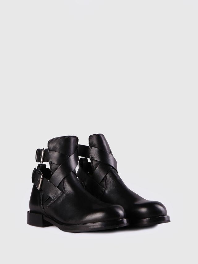 D-KOMB BOOT FOB, Black