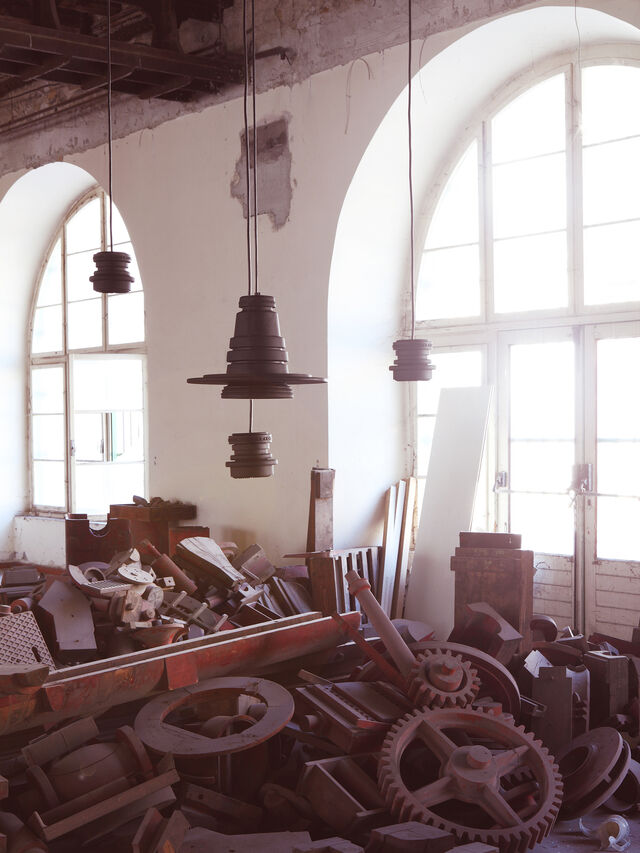 Living TOOL GRANDE SOSP, Black - Hang Lighting - Image 4